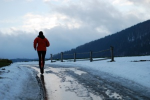 running_in_snow